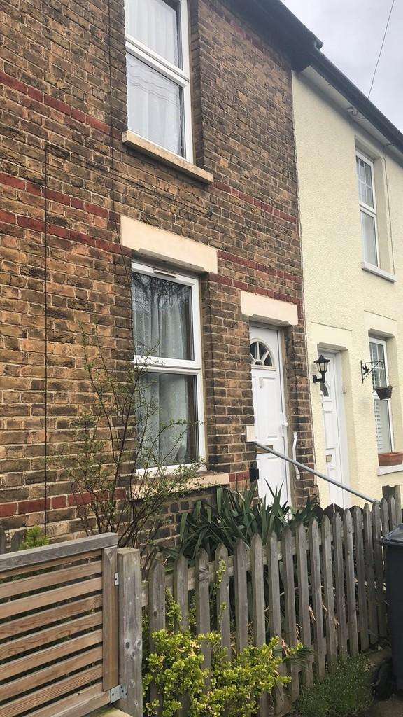 2 Bedrooms Terraced House for sale in Sussex Road , Croydon
