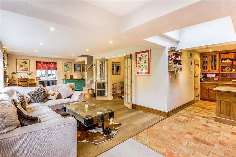 4 Bedrooms Semi Detached House for sale in Court Cottages, West Green Common, Hartley Wintney, Hook, RG27