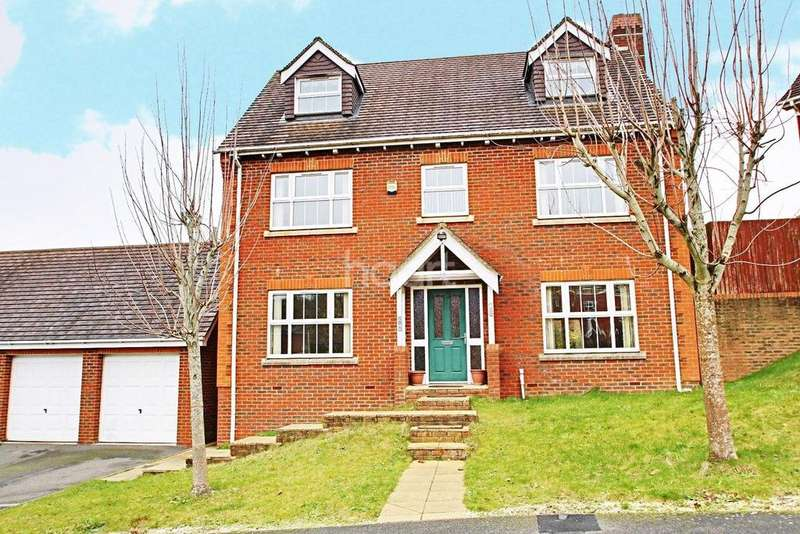 5 Bedrooms Detached House for sale in House Meadow, TN23