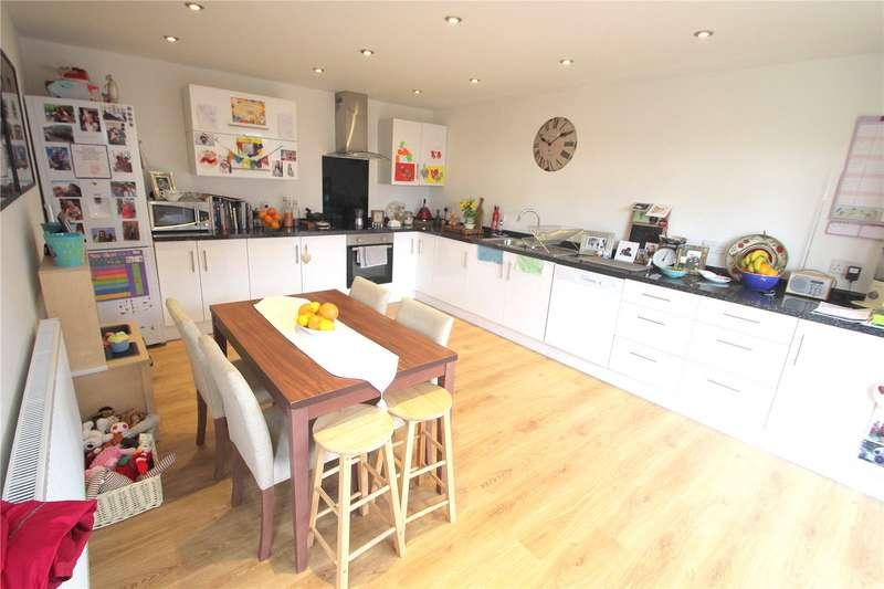 3 Bedrooms Property for rent in Smyth Road Ashton Bristol BS3