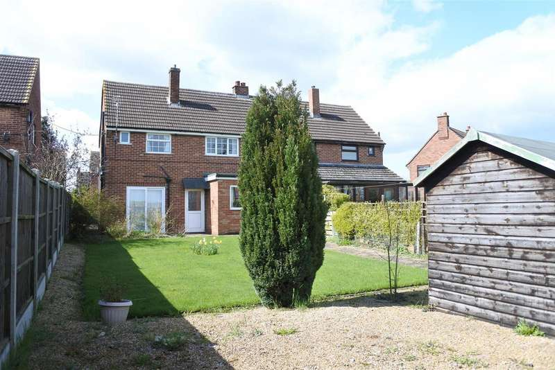 3 Bedrooms Detached House for sale in Kings Road, Long Clawson