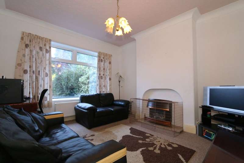 3 Bedrooms Semi Detached House for rent in Town Lane, Denton, Manchester, M34