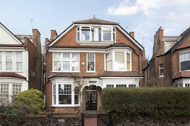 2 Bedrooms Flat for sale in Princes Avenue, Muswell Hill, N10