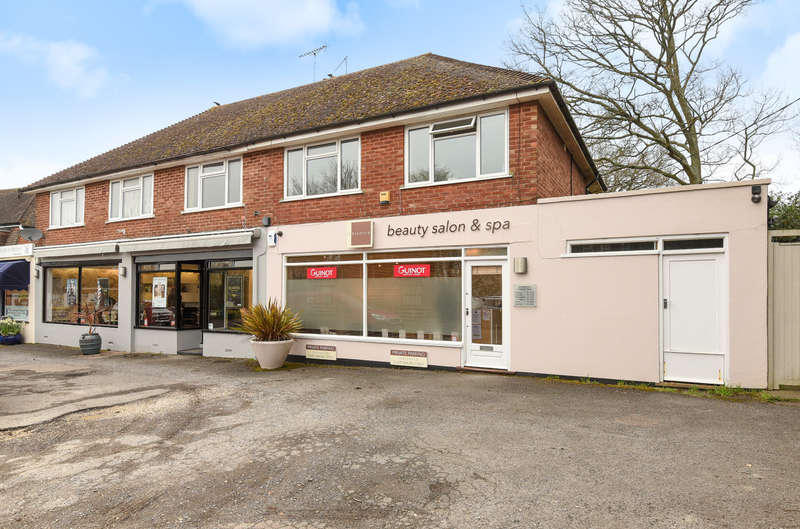 2 Bedrooms Flat for sale in Haglands Lane, West Chiltington, RH20
