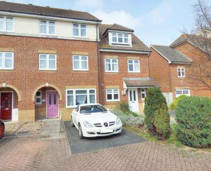 3 Bedrooms Terraced House for sale in Lee-On-The-Solent