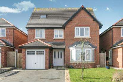 6 Bedrooms Detached House for sale in Ponc Y Rhedyn, Benllech, Anglesey, North Wales, LL74