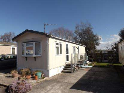 2 Bedrooms Mobile Home for sale in Westgate Caravan Park, Westgate, Morecambe, LA3
