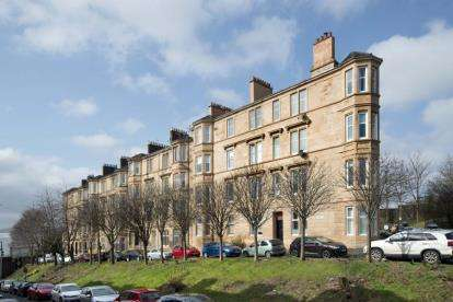 3 Bedrooms Flat for sale in Firpark Terrace, Dennistoun, Glasgow
