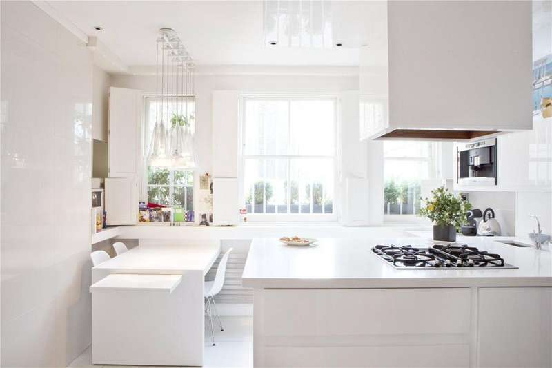 3 Bedrooms Flat for sale in Rosary Gardens, South Kensington, London