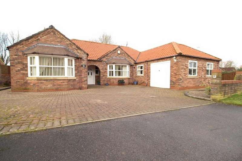 3 Bedrooms Detached Bungalow for sale in Main Street, Kirkburn