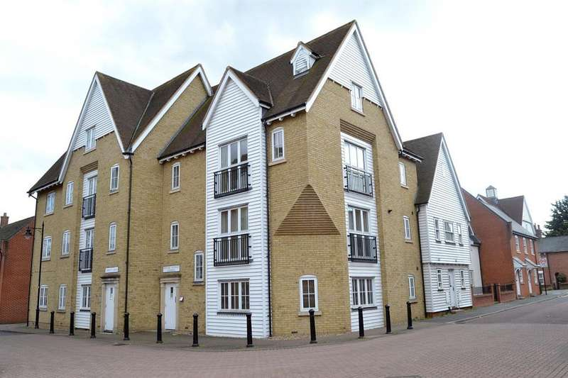 2 Bedrooms Duplex Flat for sale in Edward Paxman Gardens, Colchester