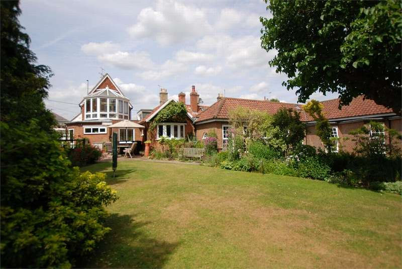 6 Bedrooms Detached House for sale in West Street, Coggeshall, Essex