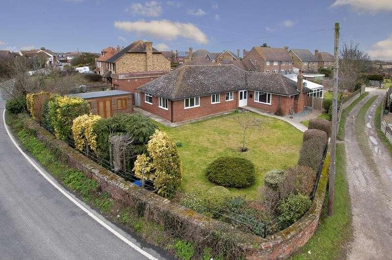 5 Bedrooms Detached Bungalow for sale in Margate Road, Broomfield, Herne Bay, Kent