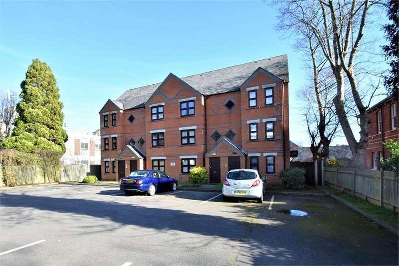 1 Bedroom Flat for sale in Neelem Court, Osborne Road, FARNBOROUGH, Hampshire