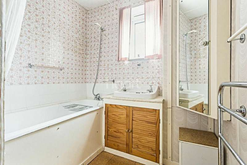 3 Bedrooms Flat for sale in Crescent Wood Road, SE26