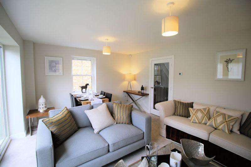 3 Bedrooms Detached House for sale in Haddenham.