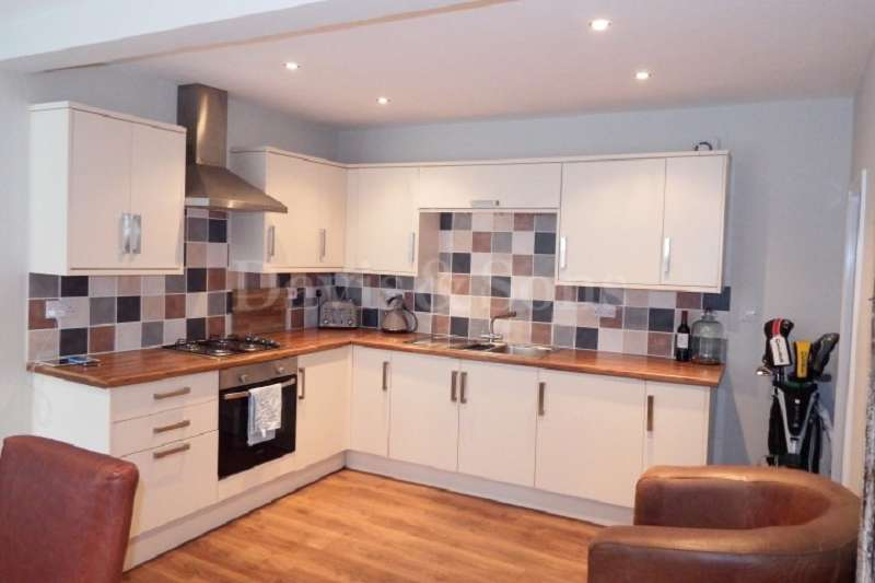 2 Bedrooms Detached House for sale in Marlborough Road, Newport, Gwent. NP19 0BY
