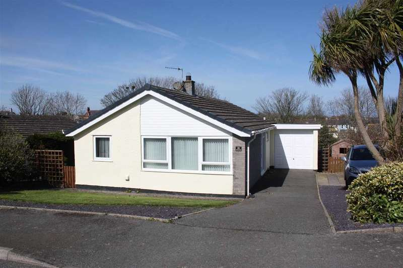 2 Bedrooms Detached Bungalow for sale in Gwelfor Estate, Cemaes Bay