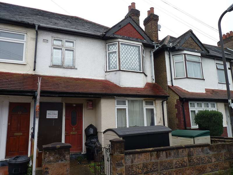 2 Bedrooms Terraced House for sale in Kimble Road , Colliers Wood SW19