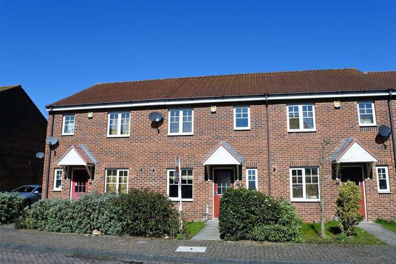 3 Bedrooms Terraced House for sale in Dexter Avenue, Grantham