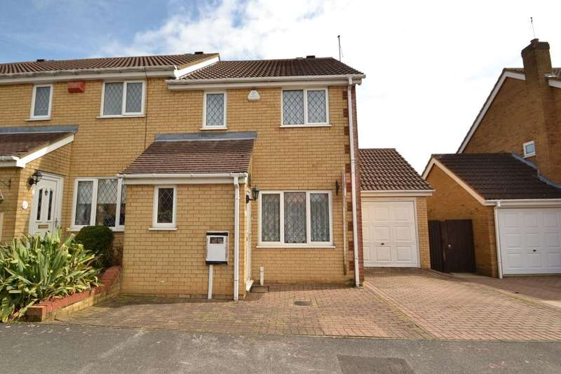 3 Bedrooms Semi Detached House for sale in Mill Meadow, Kingsthorpe, Northampton, NN2