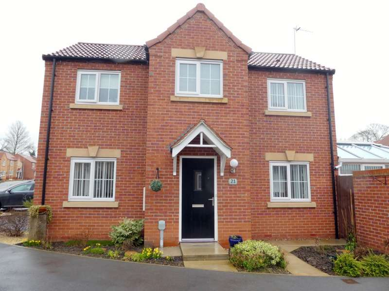3 Bedrooms Detached House for sale in Hallcoate View, Saltshouse Road, Hull, HU8