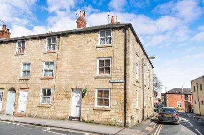 4 Bedrooms Terraced House for sale in Windsor Lane, Knaresborough, North Yorkshire