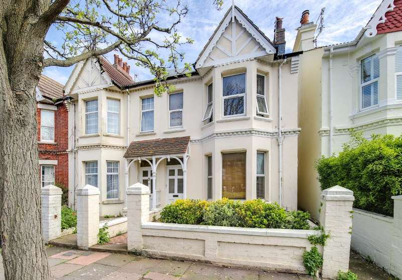 2 Bedrooms Maisonette Flat for sale in St Leonards Road, Hove, BN3 4QP