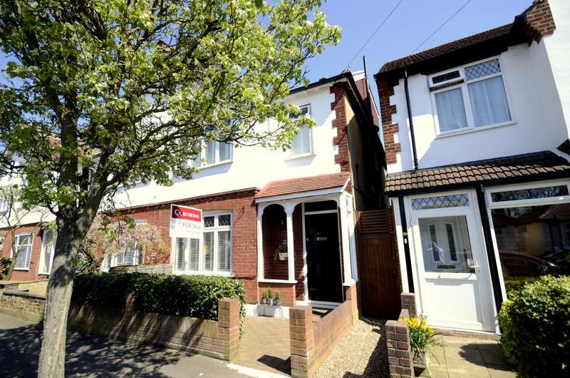 4 Bedrooms End Of Terrace House for sale in Edge of The Groves