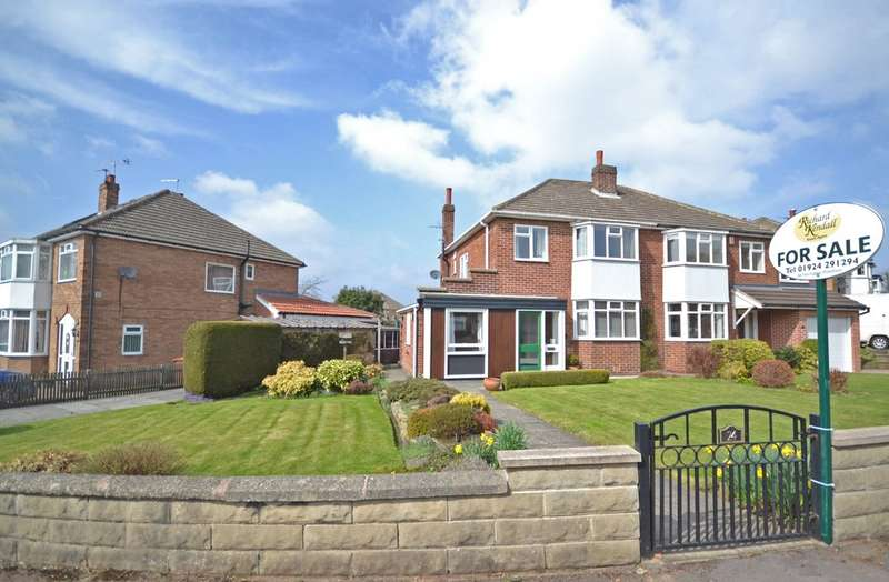 3 Bedrooms Semi Detached House for sale in Kingsley Avenue, Sandal, Wakefield