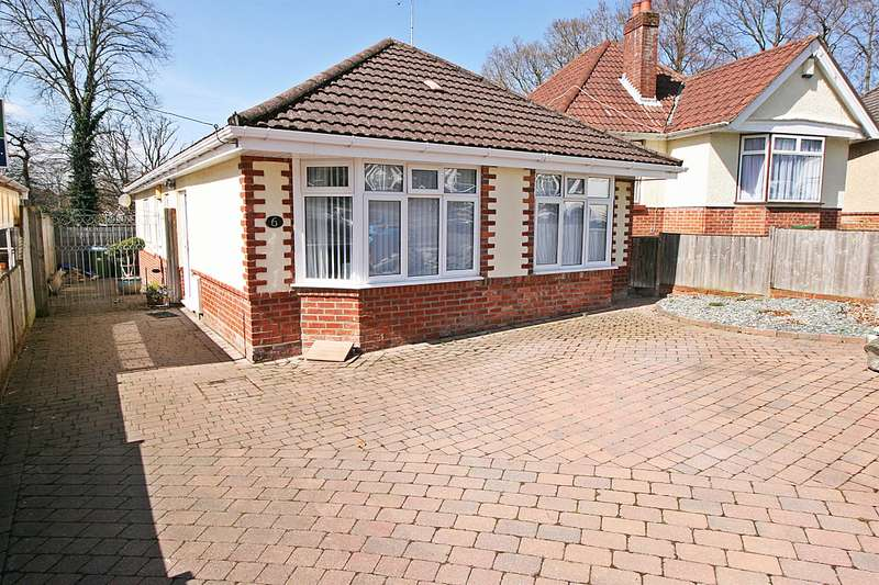 3 Bedrooms Bungalow for sale in Mon Crescent, Bitterne, Southampton, SO18 5QU