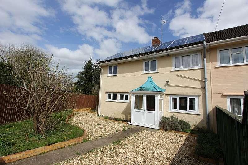 3 Bedrooms Semi Detached House for sale in Oak Close, Farley, Salisbury, Wiltshire, SP5 1AE