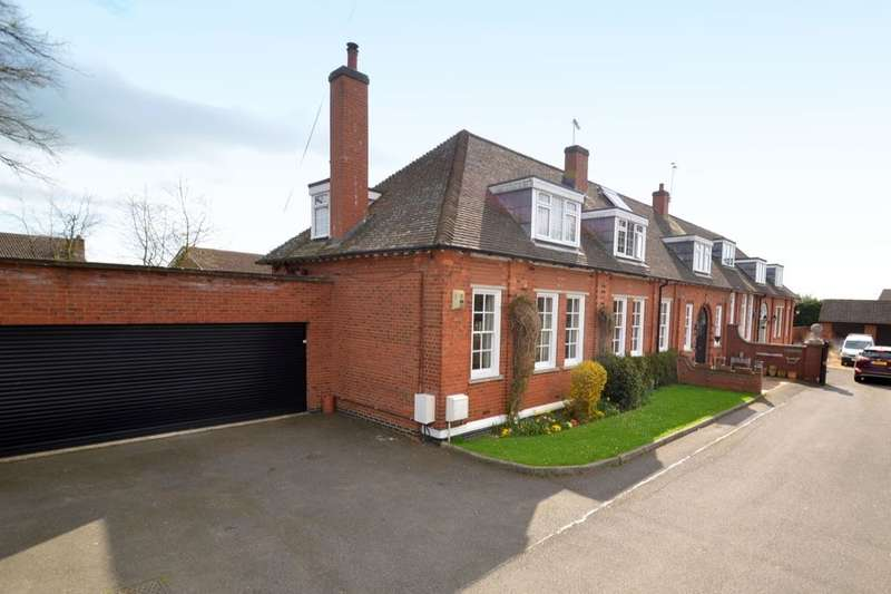 4 Bedrooms Semi Detached House for sale in Rockingham Paddocks, Kettering, NN16