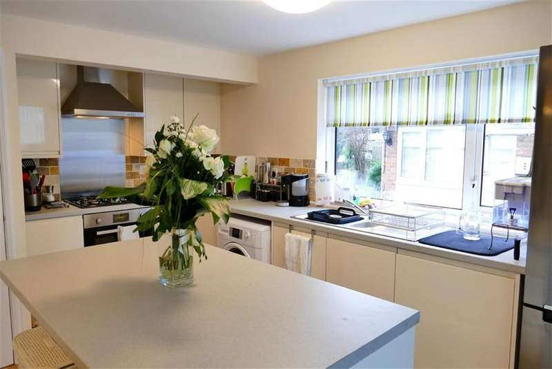 3 Bedrooms Semi Detached House for sale in Hungerford Road, Calne
