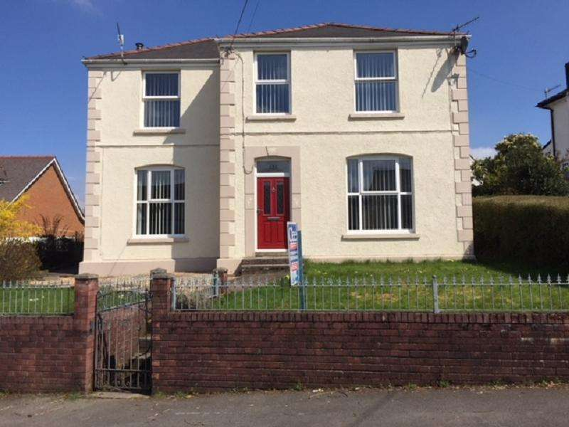 4 Bedrooms Detached House for sale in Station Road, Ystradgynlais, Swansea.