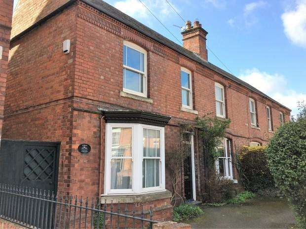 4 Bedrooms Semi Detached House for sale in Thrift Cottage Thorpe Road, Melton Mowbray, LE13