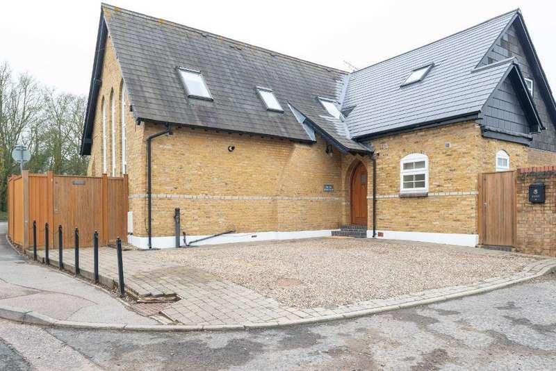 4 Bedrooms Detached House for sale in School Lane, Bean, Kent, DA2 8AL