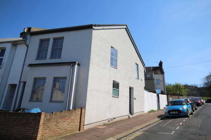 2 Bedrooms End Of Terrace House for sale in Ryde Road, Brightn BN2