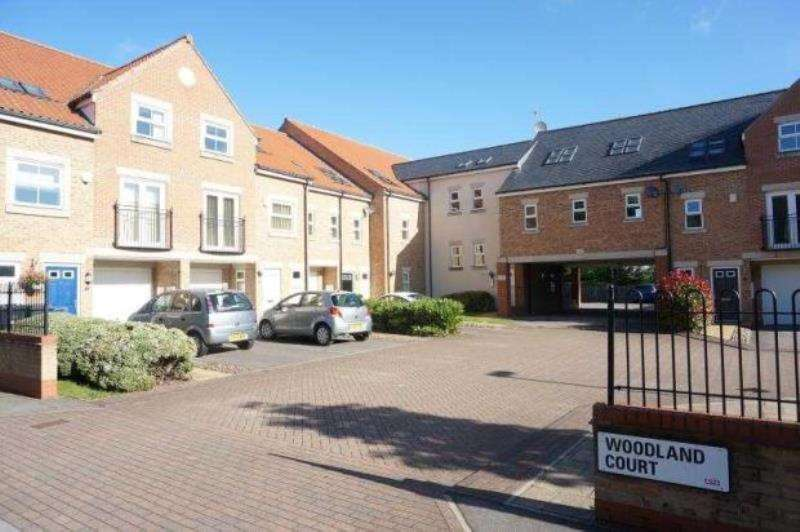 2 Bedrooms Apartment Flat for rent in Woodland Court, Thorp Arch , West Yorkshire, LS23 7BP