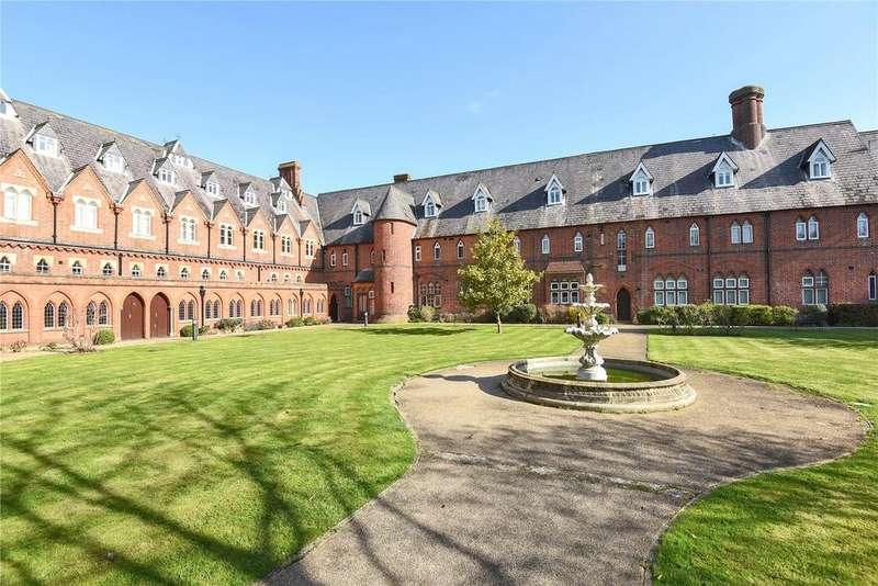 2 Bedrooms Apartment Flat for sale in Convent Court, Hatch Lane, Windsor, Berkshire, SL4