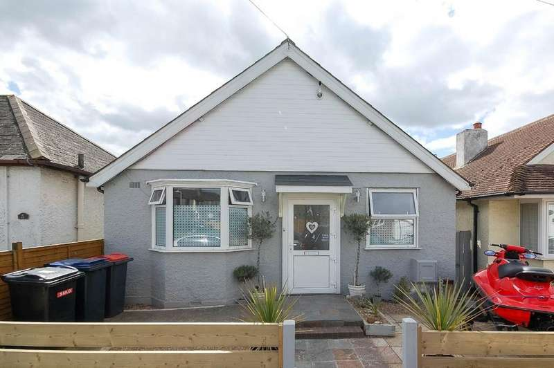 3 Bedrooms Detached Bungalow for sale in Cobblers Bridge Road, Herne Bay