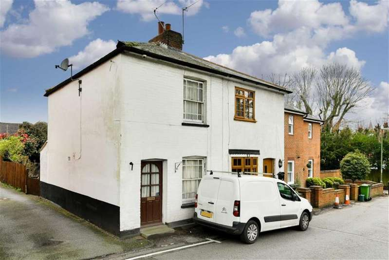 2 Bedrooms Semi Detached House for sale in East Street, Leatherhead, Surrey