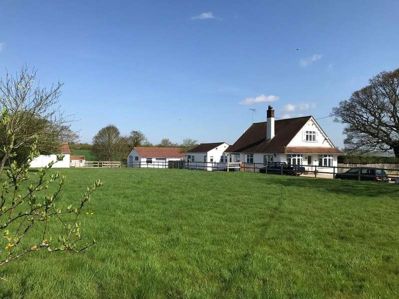 4 Bedrooms Detached House for sale in Writtle, Chelmsford