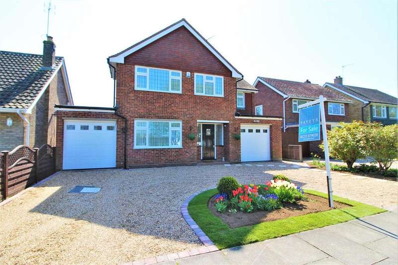 6 Bedrooms Detached House for sale in Heronsgate, Frinton-On-Sea