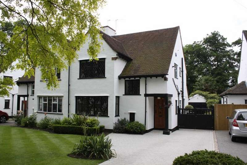 3 Bedrooms Semi Detached House for sale in The Covert, Petts Wood