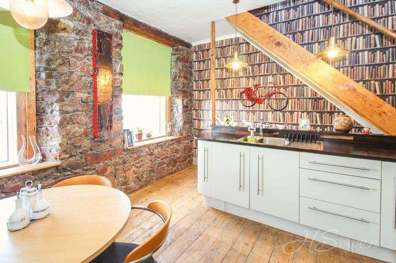 4 Bedrooms Terraced House for sale in Pennsylvania Road, Torquay