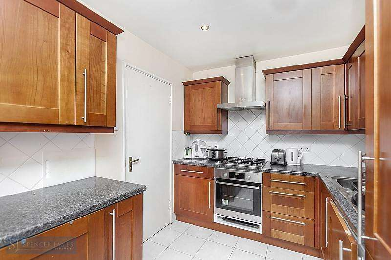 3 Bedrooms Apartment Flat for sale in Austin Road, Battersea, SW11
