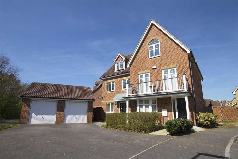 4 Bedrooms Town House for sale in Proctor Drive, Lee-on-the-Solent, Hampshire