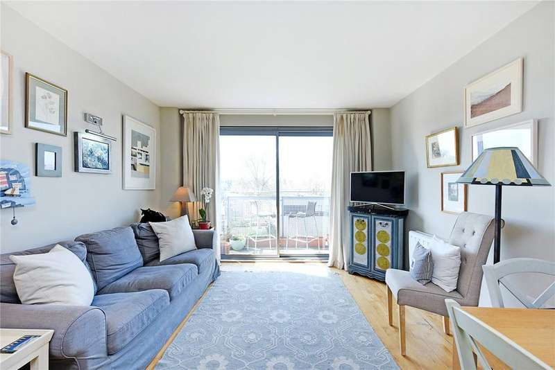 2 Bedrooms Flat for sale in Colorado Building, Deals Gateway, London