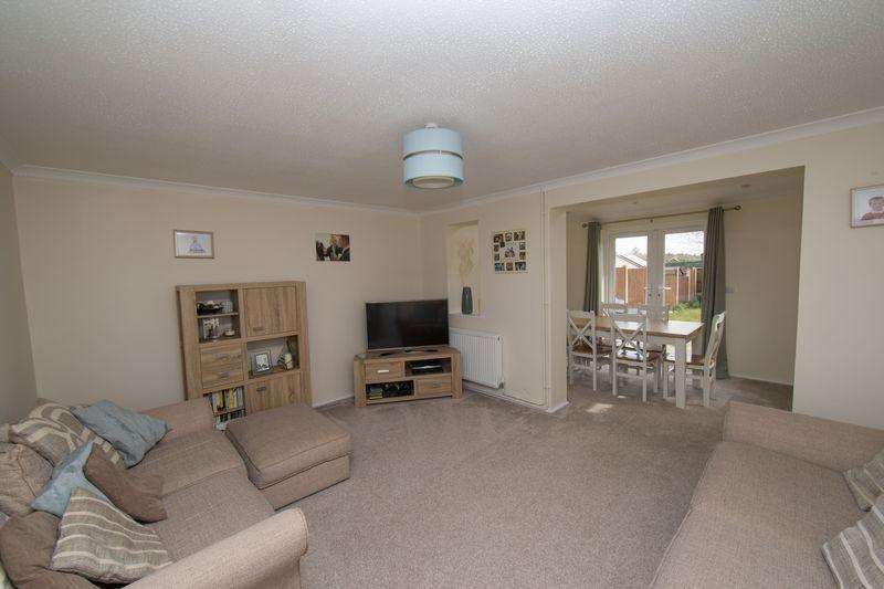3 Bedrooms Semi Detached House for sale in Wigston Road, Bury St. Edmunds